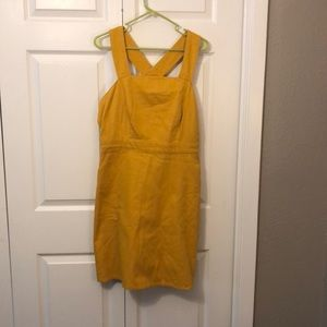 NWT UNIVERSAL THREAD Yellow Jumper w/pockets L